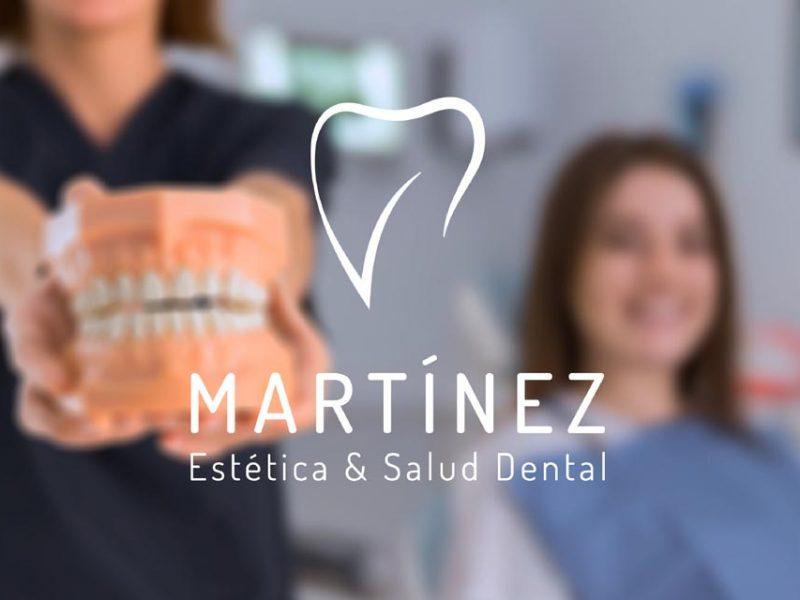 Logo de la Clínica Martínez