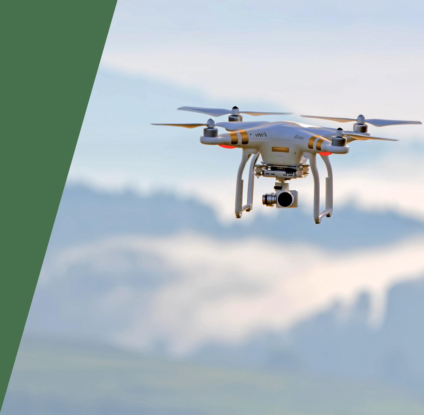 Dron volando y grabando con cámara